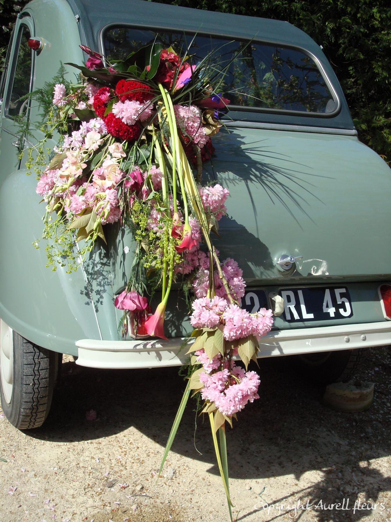 voiture capot avant 2 à Saint-Jean-de-Braye | Aurell fleurs
