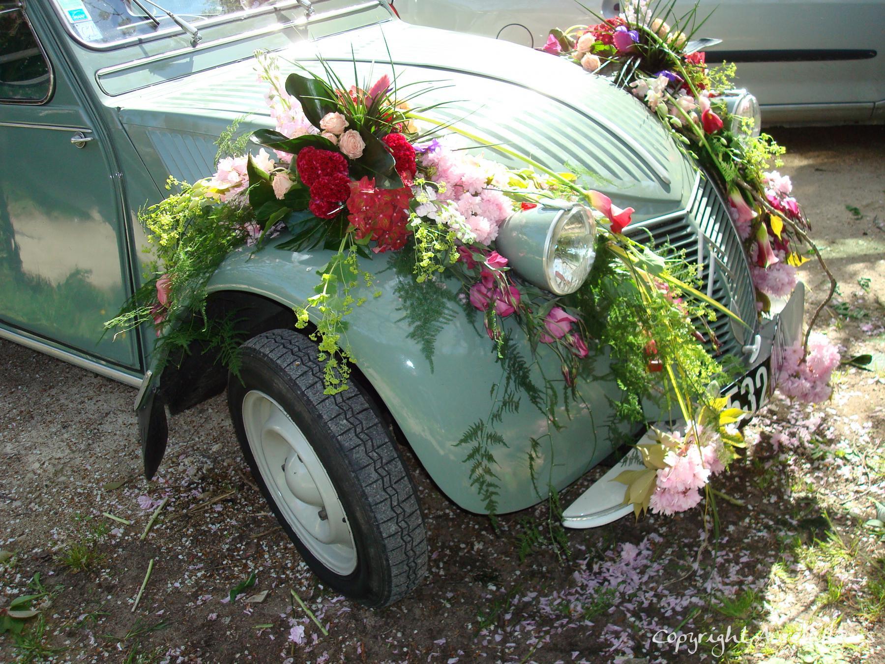 voiture capot avant 3 à Saint-Jean-de-Braye | Aurell fleurs